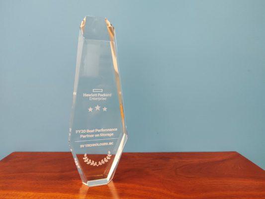 Giải thưởng dành cho đối tác xuất sắc trong hoạt động tư vấn, triển khai sản phẩm Server & Storage